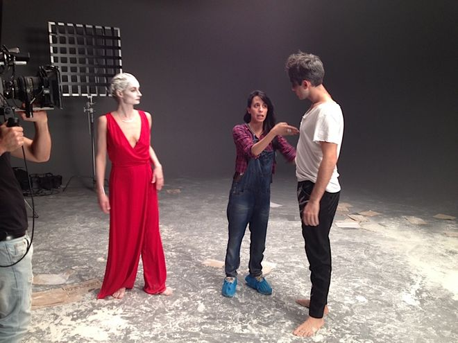 IMAGE: Beatriz explaining the acting to the male dancer